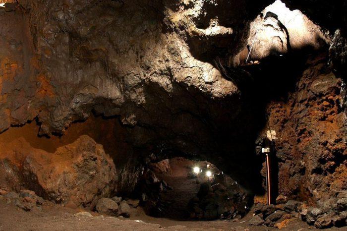 Cuevas Volcánicas en Pucón